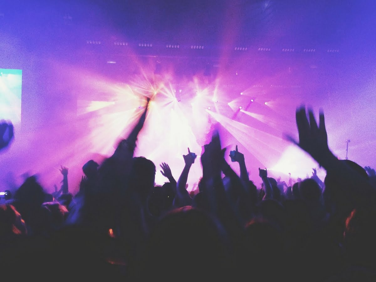 ¿Sería un éxito empresarial mezclar música y bits?